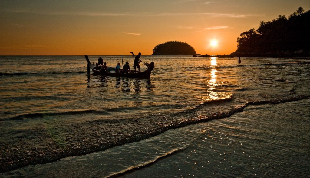 Long_tail_boat_at_sunset_Kata_Beach_Phuket_Thailand