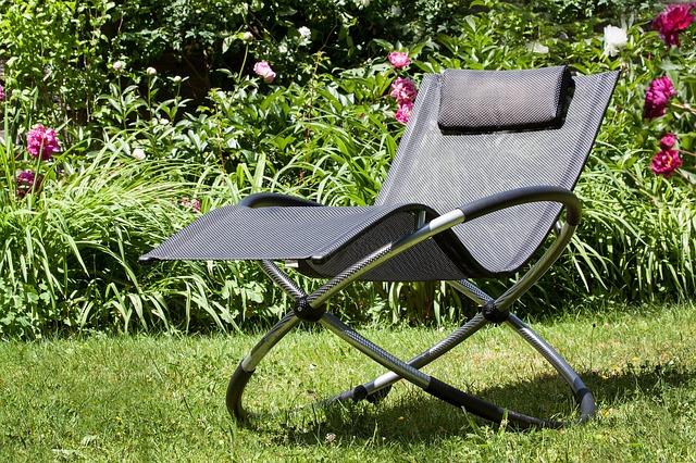 deck-chair-365431_640