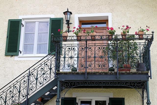 balcony-419257_640