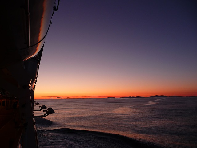 cruise-55980_640