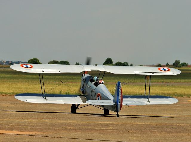 aircraft-316708_640