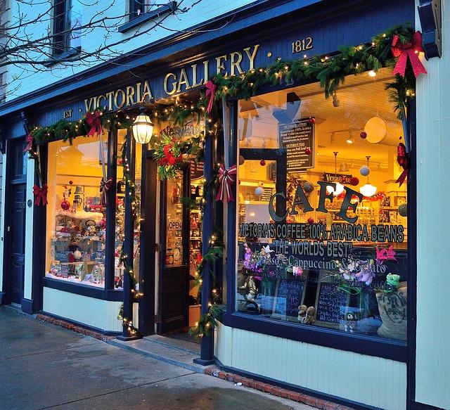 christmas-store-222227_640