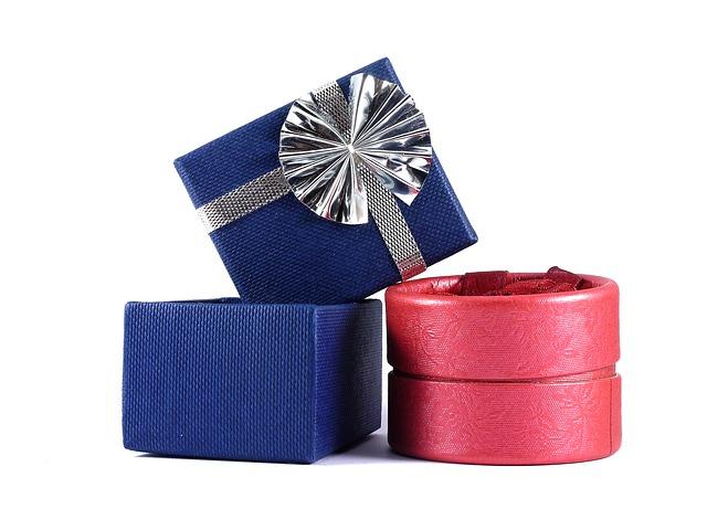 gift-box-498595_640