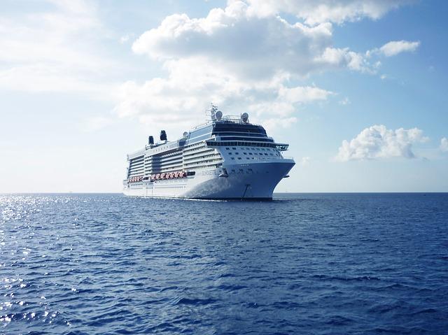 cruise-ship-788369_640