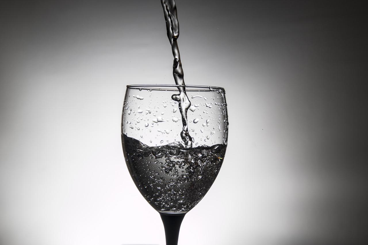 glass-783680_1280