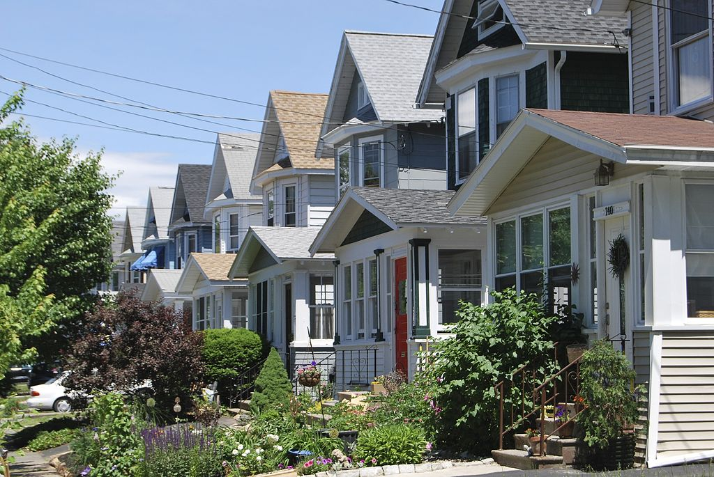 1024px-Albany_Houses