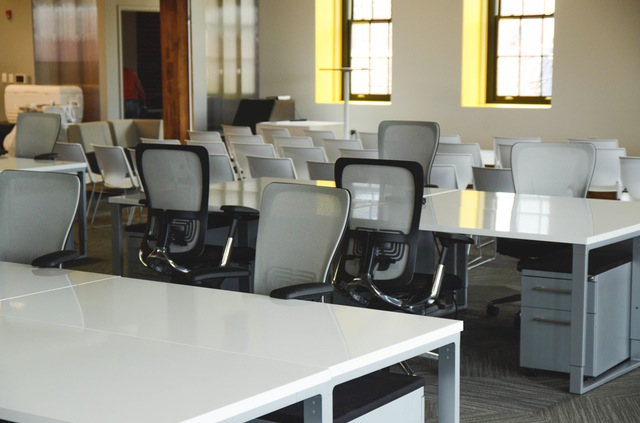 space-desk-office-workspace