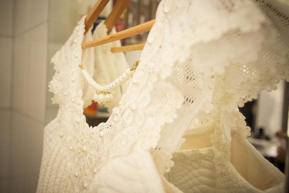 dress-1423684_960_720