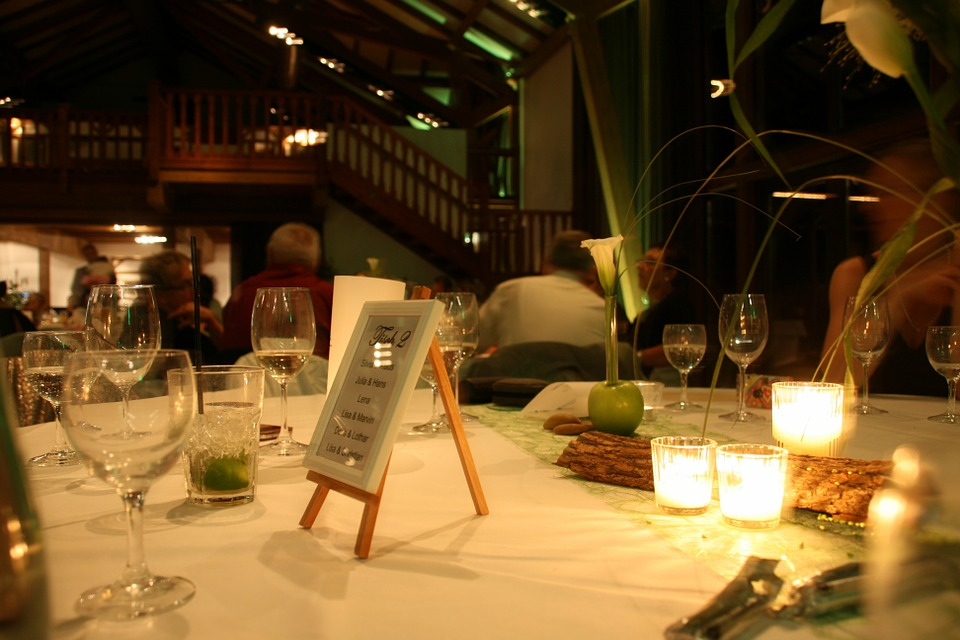 restaurant-436407_960_720