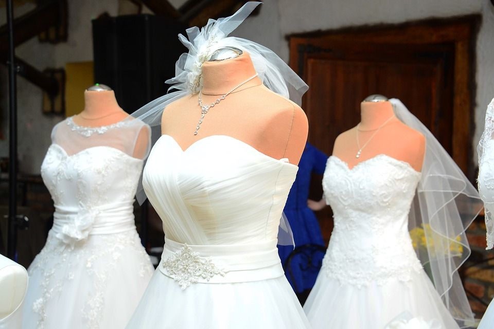 wedding-dress-1236010_960_720