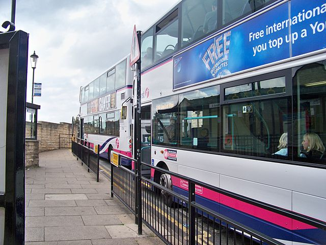 640px-First_Leeds_buses_at_Wetherby_bus_station