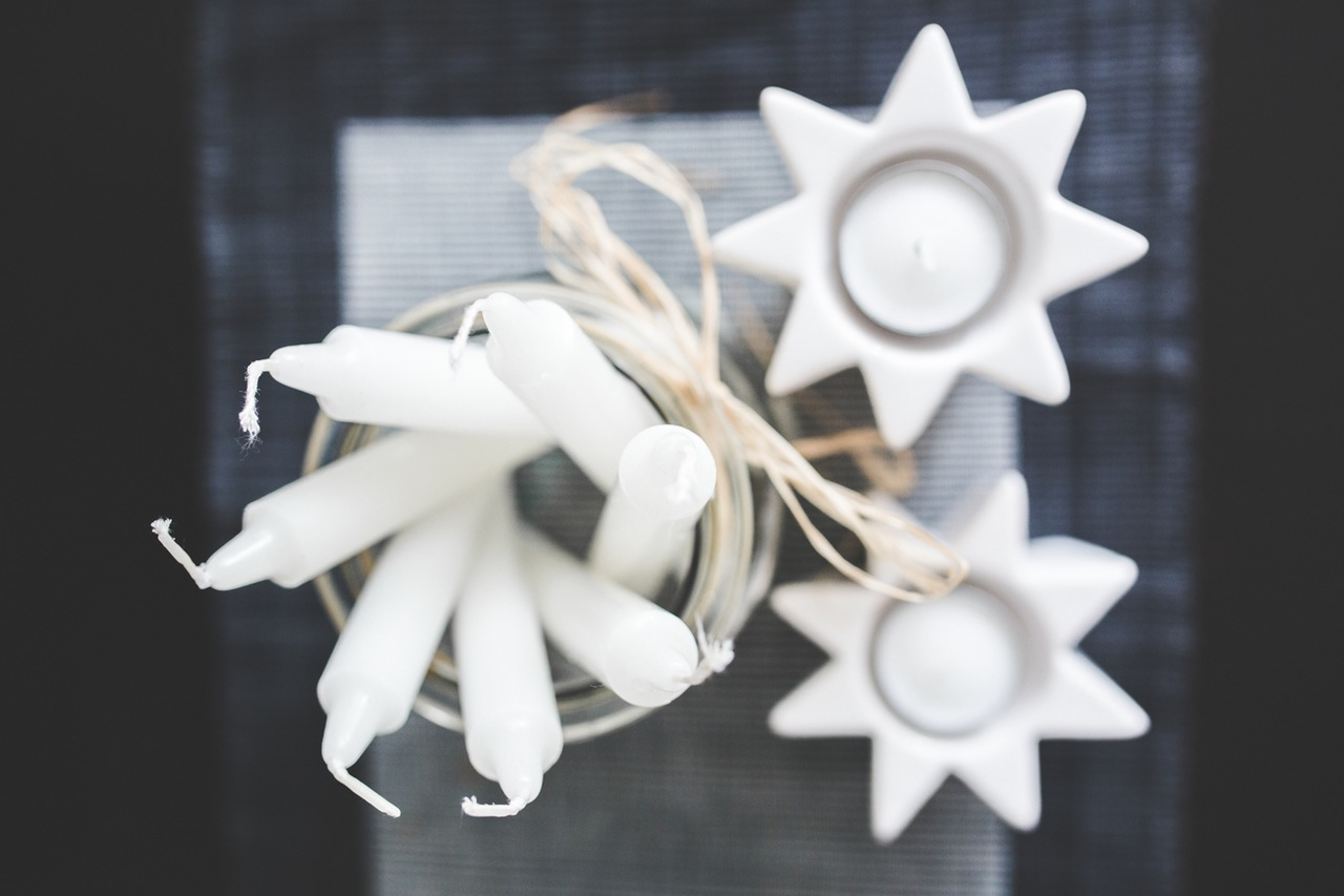white-home-decoration-candles