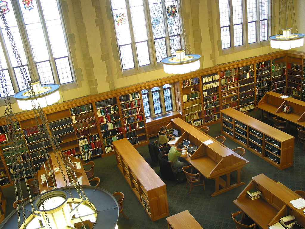 1024px-Yale_Law_School_Library_Reading_Room_(L3)